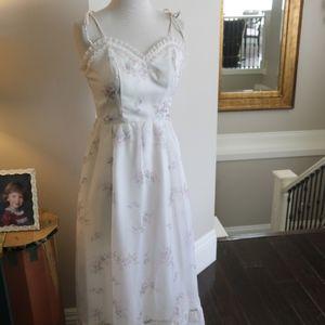 Dresses & Skirts - Vintage maxi dress ruffled spaghetti strap 10